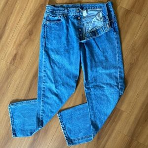 Levi's 501 W35 L30 button fly straight leg jeans